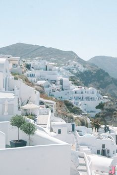 Walking around Oia and Fira, visiting wineries and sampling local cuisine are a few of the fun things to do in Santorini.