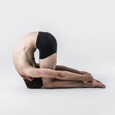 WEBSTA @ mistereley - This is a seriously underrated and misunderstood posture. If you don't understand how to do it, get someone to explain it to you. I'll do it if you want, but you'll have to do the posture! Experience beats theory. #99percentpractice #rabbitpose #sasangasana #fullspinalflexion #bikramyoga #26and2