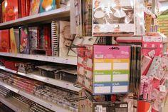 Collectie etiketten, schoolmappen en kaftpapier. #backtoschool