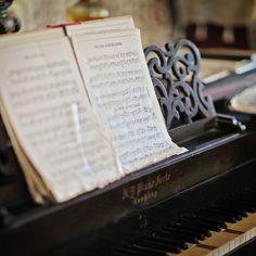 (Pianoforte ByKathy Froilan,via Flickr)