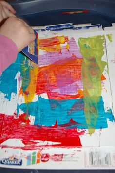 credit card art Painting with credit cards. Prime cereal boxes, squeeze out paint onto cardboard palette, and spread with credit cards to create a layered effect. Kindergarten Art, Preschool Art, Arte Elemental, Ecole Art, Process Art, Art Classroom, Art Activities, Creative Activities, Therapy Activities