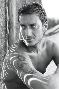 Totti https://www.facebook.com/pages/Creative-Mind/319604758097900