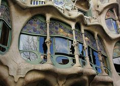 Barcelona; Casa Battlo, facade , 71059/2788   par roba66-off on holiday