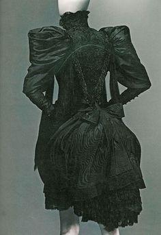 """Alexander McQueen """"Savage Beauty"""" Exhibit at the Met"""