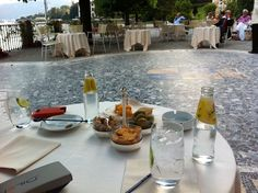 a very 'happy hour'...at villa d'este