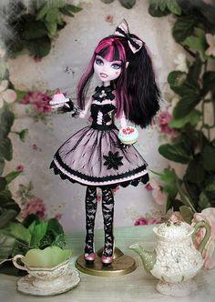 Draculaura gothic lolita #doll #monsterhigh #gothiclolita