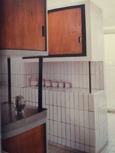 Une cuisine fonctionnelle - Visite très privée de l'appartement-atelier parisien…