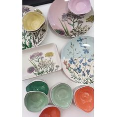 More stock to add to our lovely gift ware lines. This range is available in beautiful bright colours for the start of spring. Come into @prontofinefoods  and explore our expanding gift ware range.  #giftware #kitchen #home #living #giftidea #bright #shoplocal #destinationwarrnambool by prontofinefood