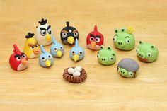 I'm Gonna Snap: Angry Birds Fondant Cake tutorial