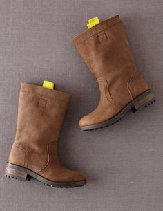 I've spotted this @BodenClothing Casual Nubuck Boot Dark Brown