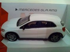 Voiture miniature 1/43 Mercedes GLA AMG  ref v132