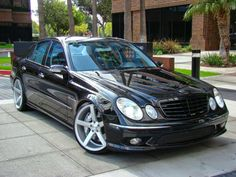 Mercedes_w211_e55_amg_vossen_20inch_black_shadowline_1.jpg (1024×768)