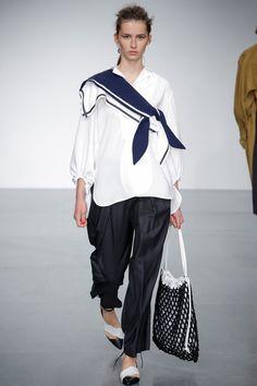 Eudon Choi Spring 2018 Ready-to-Wear Fashion Show Collection Avangard Fashion, Sailor Fashion, Fashion Line, Fashion Quotes, Fashion Week, Fashion Looks, Vintage Fashion, Fashion Outfits, Womens Fashion