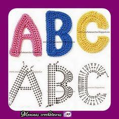 Quer aprender a escrever????   Calma, calma sei que você sabe escrever kkk. To falando sobre crochetar letras.   Imagina você fazendo um l...