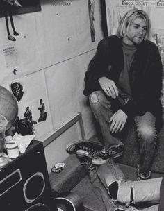 For everything Nirvana check out Iomoio Kurt Corbain, Kurt And Courtney, Nirvana Kurt Cobain, Jimi Hendricks, Arte Hip Hop, Donald Cobain, Smells Like Teen Spirit, Foo Fighters, Punk Rock
