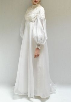 Love the simplicity of this bridal attire and the lace work. It would be ideal for your beach wedding! Abaya Fashion, Muslim Fashion, Modest Fashion, Fashion Dresses, Dress Brokat, Kebaya Dress, Muslim Wedding Dresses, Muslim Dress, Wedding Abaya