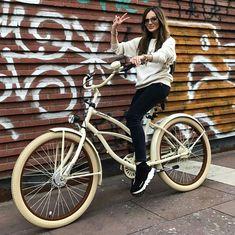 Bicicletas personalizadas de la casa #plumbike solo en nuestra tienda #favoritebike WWW.FAVORITEBIKE.COM #bicicletas #beachcruiser #bicycle #bikelovers #goodmorning #buenosdias #mylove #traveling #fashiongirl #brunette #sunglasses #chillout #fashionbike #streetstyle #moda #loveit #picoftheday #beautifulday #morning #mywork #passion #graffiti #bike #bicicleta #tiendaonline #fitgirl #longhair #spain @marina_official
