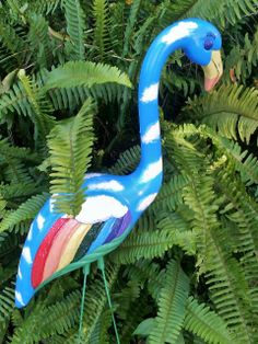 """Backyard Dreamer"" by Lisa Burns of Myakka City represents the tranquil and unique beauty of Florida, and the peaceful feeling she wants everyone to have when enjoying the outdoors. Flamingo Craft, Flamingo Garden, Flamingo Painting, Flamingo Decor, Outdoor Beach Decor, Outdoor Art, Yard Flamingos, Pink Flamingos, Finding A Hobby"