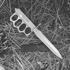 """The 1918 WWI Trench Knife. This is a lethal 6 7/8"""" blade with solid kn,  #1918 #co032 #guard #knuckle #trench #wwi"""