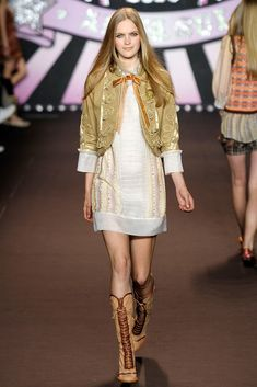 See the complete Anna Sui Spring 2010 Ready-to-Wear collection.