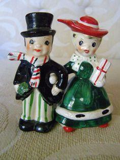 Vintage Lefton Christmas Couple Arm In Arm Salt & Pepper Shakers