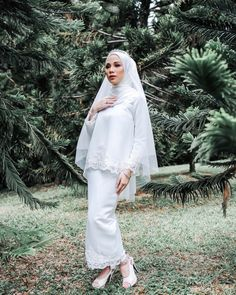 Muslimah Wedding Dress, Muslim Wedding Dresses, Wedding Gowns, Simple Wedding Dress With Sleeves, Dresses With Sleeves, Wedding Stage, Dream Wedding, Hijab Dress Party, Hijab Outfit