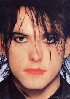 Robert Smith = <3 The Cure!!