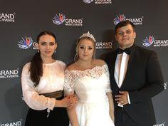 Nunta la Bucuresti Lace Wedding, Wedding Dresses, Fashion, Musica, Bride Dresses, Moda, Bridal Gowns, Fashion Styles, Weeding Dresses