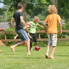 [Informatief] Onvoorwaardelijk ouderschap is de Nederlandse vertaling van Unconditional Parenting, een term bedacht door Alfie Kohn, schrijver van boeken over opvoeding