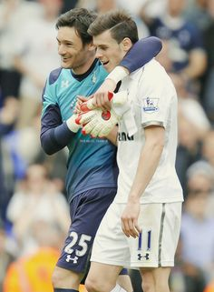 Gareth Bale and Hugo Lloris. Does there exist a soccer star who isn't super cute? Soccer Stars, Football Soccer, Tottenham Hotspur Players, The Sporting Life, Association Football, Gareth Bale, Goalkeeper, Soccer Players, Male Models