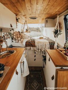59 Amazing Caravan Interior Design Ideas- 2020 Page 21 of 59 coloredbikinis. c… 59 Amazing Caravan Interior Design Ideas- 2020 Page 21 of 59 coloredbikinis. c…,Wohnwagen renovieren 59 Amazing Caravan Interior Design Ideas- Bus Living, Tiny House Living, Cozy House, Caravan Living, Caravan Renovation Diy, Caravan Interior Makeover, Kombi Home, Campervan Interior, Volkswagen Bus Interior