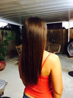 Smooth brown hair after a BRAZILIAN Blowout