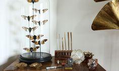 The Socialite Family | Chez Delphine Crech'riou cofondatrice d'Hipanema. #deco #interieur #interior #livingroom #salon #ethnic #ethnique #insects #insectes #cabinetdecuriosité #exotic #exotique #voyage #travel #original #hipanema #amenapih #thesocialitefamily