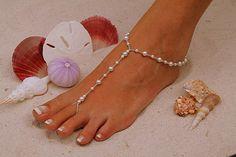 Sandale nupieds  simplement élégant blanc perles par moodyelizabeth, $29.95