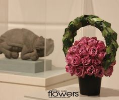 More floral designs at: FLOWER SHOW FLOWERS www.FlowerShowFlowers.com
