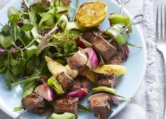 Beef Kebabs with Smoky BBQ Sauce: Perfect for the BBQ, these kebabs are a fast, healthy meal to serve to friends and family! Serve with a side of salad. Diabetic Recipes, Healthy Recipes, Kebabs, Diabetes, Bbq, Friends, Ethnic Recipes, Food, Barbecue