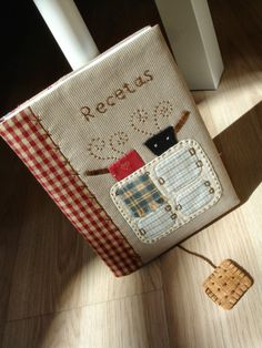 Recipe mini album fabric cover.  So simple and beautiful!