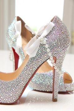 Sapato para a noiva! Puro luxo!