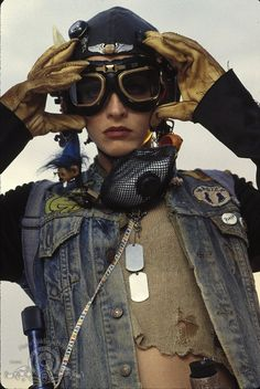 Tank Girl played by Lori Petty in 1995 movie, costumes by Arianne Phillips one of my all time favorite films Highly Empowering! Tank Girl Cosplay, Lori Petty, Morgana Le Fay, Imperator Furiosa, Marla Singer, After Earth, Post Apocalyptic Fashion, Apocalyptic Clothing, Costume Design