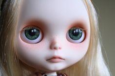 cute not so happy blythe