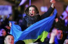 Ukrainian women are too beautiful even during the revolution.