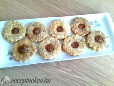 Linzer karika Minion, Doughnut, Keto, Desserts, Food, Tailgate Desserts, Deserts, Essen, Minions