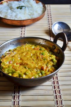 Restaurant style peas masala recipe: Rich, creamy and smooth restaurant style fresh green peas masala recipe @ http://cookclickndevour.com/resturant-style-peas-masala-recipe