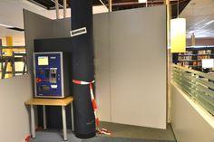 De Xafax betaalmachine blijft op zijn plek staan ondanks het stofschot.