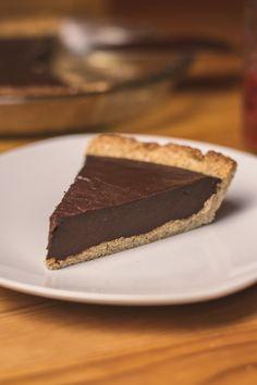 Tarte au chocolat avec croûte aux amandes