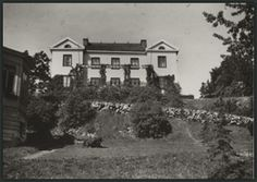Mannerheim museum in Kaivopuisto. Kalliolinnantie 14. Open: Friday, Saturday, Sunday at 11 am—4 pm.