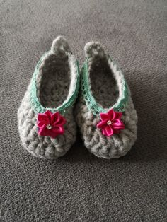 #diy #Action #crochet Baby Girl Shoes, Crochet Flowers, Action, Diy, Handmade, Clothes, Outfits, Group Action, Hand Made
