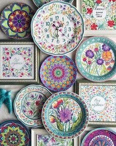 60 Pottery Painting Ideas to Try This Year Keramik-Malerei-Ideen-zu-versuchen-dieses-Jahr Painted Ceramic Plates, Ceramic Decor, Ceramic Clay, Hand Painted Ceramics, Ceramic Painting, Ceramic Pottery, Porcelain Painting Ideas, Painted Pottery, China Painting