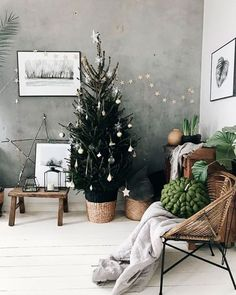 ☆ BIG stick STAR, leaning against the wall ☆ ☆ ☆ X-mas - Deko Idee . - ☆ BIG stick STAR, leaning against the wall ☆ ☆ ☆ X-mas – Deko Ideen – - Minimalist Christmas Tree, Scandinavian Christmas, Rustic Christmas, Simple Christmas, Christmas Home, White Christmas, Christmas Trees, Natural Christmas, Modern Christmas