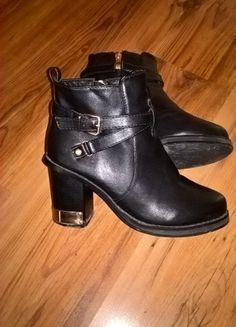 Kup mój przedmiot na #vintedpl http://www.vinted.pl/damskie-obuwie/botki/20761009-czarne-botki-deezee